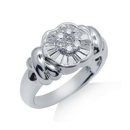 Diamond Cluster Ring in White 18K Gold